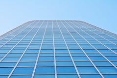 Fachada do detalhe de um prédio de escritórios Fotos de Stock Royalty Free