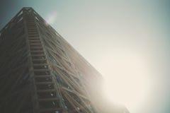 Fachada do metal e do vidro do arranha-céus moderno Fotografia de Stock Royalty Free