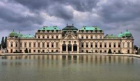 Fachada do palácio do Belvedere em Viena imagens de stock