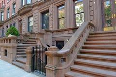 Fachada do prédio de apartamentos do Brownstone, New York Imagem de Stock Royalty Free