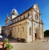Fachada e abóbada da catedral de Sibenik Fotografia de Stock