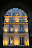 Fachada en París - tarde Imagen de archivo
