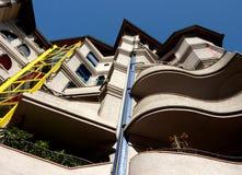 Fachada excéntrica de un edificio foto de archivo libre de regalías