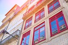 Fachada histórica en las casas de Oporto, Portugal foto de archivo libre de regalías