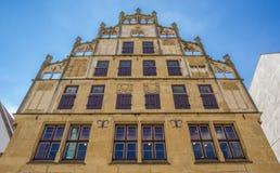 Fachada histórica no mercado central de Bielefeld Foto de Stock