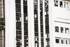 Fachada industrial destruída Deserted filtrada da ruína foto de stock royalty free