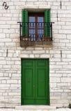 Fachada mediterránea del estilo Foto de archivo libre de regalías
