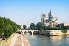 Fachada meridional de Notre Dame de Paris París, Francia Imagen de archivo libre de regalías