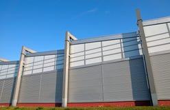 Fachada moderna de um edifício industrial imagens de stock royalty free