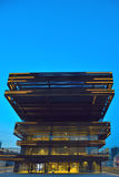 Fachada moderna en la hora azul Fotografía de archivo libre de regalías