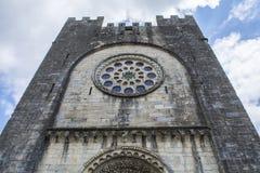 Fachada principal da igreja de San Juan, Portomarin Fotografia de Stock