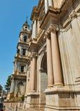 Fachada principal del della Beata Vergine del Rosario de Santuario Pompeya imágenes de archivo libres de regalías