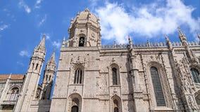 Fachada principal del monasterio de Jeronimos, Lisboa almacen de metraje de vídeo