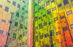 Fachada reflectora de un edificio de oficinas moderno en Deventer Fotos de archivo