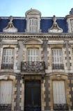 Fachada típica de París fotografía de archivo