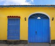 Fachada tropical da casa em trinidad, Cuba Foto de Stock Royalty Free
