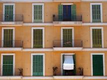 Fachada velha espanhola típica da construção Imagem de Stock