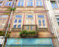 Fachada vieja de la casa Foto de archivo