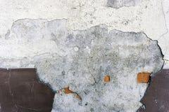 Fachada vieja de la casa que desmenuza Fotos de archivo