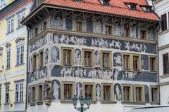 Fachada vieja de los edificios con las pinturas Foto de archivo libre de regalías