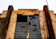 fachada vieja del edificio del cine Foto de archivo libre de regalías