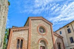 Fachada XIV de la iglesia parroquial de los católicos en Italia Fotos de archivo libres de regalías
