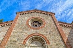 Fachada XIV de la iglesia parroquial de los católicos en Italia Fotografía de archivo