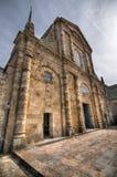 Fachada y entrada a la abadía de piedra en Mont Saint-Michel, Francia Fotos de archivo