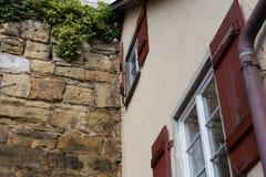 fachadas arquitetura e janelas de construções da estrutura Imagens de Stock