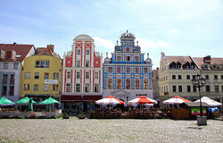 Fachadas bonitas de edificios en la ciudad vieja de Szczecin, Polonia Imagen de archivo libre de regalías
