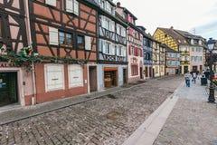 Fachadas de casas en Colmar, Francia fotografía de archivo