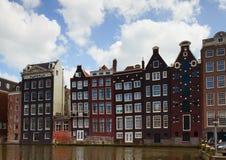 Fachadas de casas medievales en Amsterdam Imagen de archivo libre de regalías