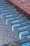 Fachadas del ladrillo en ladrillos rojos del azul del en Imágenes de archivo libres de regalías