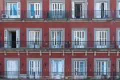 Fachadas no Mayor da plaza. Madrid, Spain. Foto de Stock Royalty Free