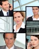 Fachleute am Telefon Stockfotos