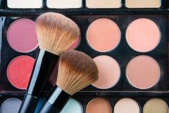 Fachowa makeup paleta z makeup muśnięciem Obraz Royalty Free