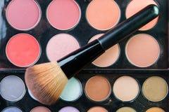 Fachowa makeup paleta z makeup muśnięciem Obrazy Stock