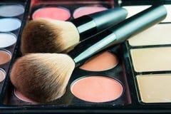 Fachowa makeup paleta z makeup muśnięciem Zdjęcia Stock