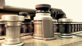 Fachowa retro maszyna dla transmitować starego filmu film, początku działanie, zakończenie up zdjęcie wideo