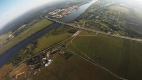Fachowa spadochronowa bluza lata above zieleni pola Chwyt równowaga wzmagający zdjęcie wideo