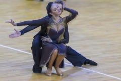 Fachowa taniec para Wykonuje Youth-2 latyno-amerykański program na WDSF zawody międzynarodowi WR tana filiżance Fotografia Stock