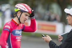 Fachowe Drogowe cyklisty Evgeny Korolek pozy jako zwycięzca Międzynarodowy Drogowy kolarstwo Obraz Stock