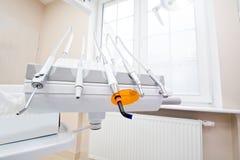 Fachowi dentystów narzędzia w stomatologicznym biurze Fotografia Stock