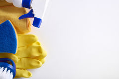 Fachowy cleaning wyposażenie na stołowym odgórnym widoku Obrazy Royalty Free