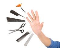 Fachowy fryzjer i uzupełniał narzędzia dostawać poza kontrolą Obrazy Royalty Free