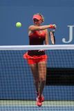 Fachowy gracz w tenisa Kristina Mladenovic Francja w akci podczas jej us open 2015 dopasowania Zdjęcie Stock