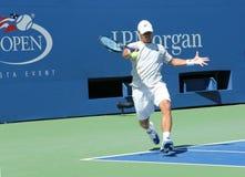 Fachowy gracz w tenisa Ricardas Berankis od Lithuania praktyk dla us open 2013 przy Billie Cajgowego królewiątka tenisa Krajowym c Zdjęcie Royalty Free