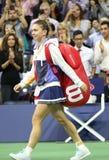 Fachowy gracz w tenisa Simona Halep Rumunia wchodzić do Arthur Ashe stadium przed jej us open 2017 round dopasowaniem najpierw obrazy royalty free