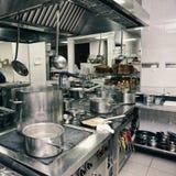 Fachowy kuchenny wnętrze, tonujący zdjęcie royalty free