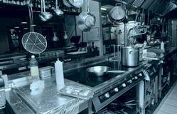 Fachowy kuchenny wnętrze, tonujący obraz stock